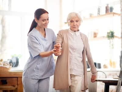 Prevención de lesiones en el cuidado de mayores a domicilio (1)