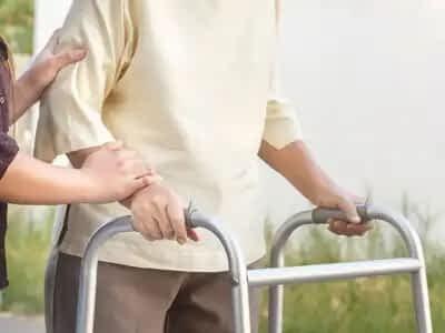consejos para evitar caídas en mayores