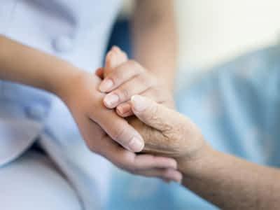 Consejos a la hora de alimentar a un paciente de Alzheimer